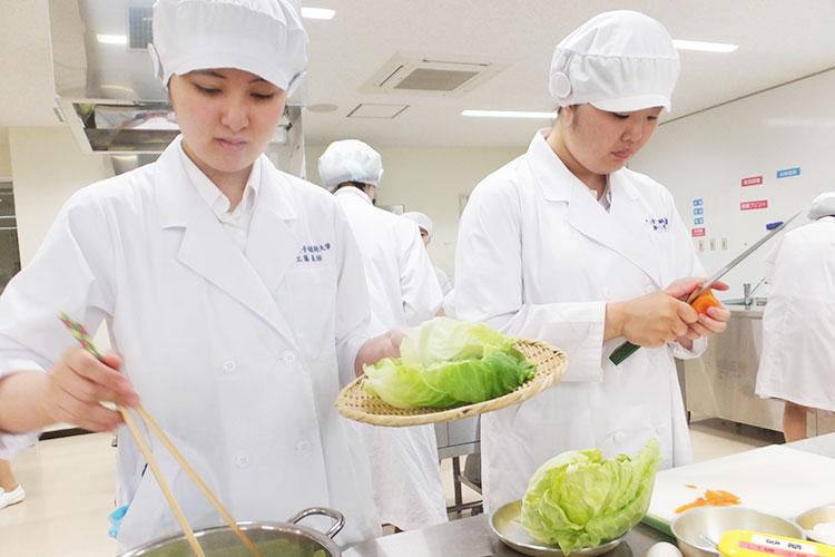 柴田学園大学短期大学部 生活科 栄養士課程
